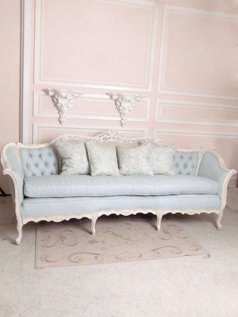 Wspaniała, błękitna sofa – kilkuosobowa, pikowane oparcie | 480 x 640 · 77 kB · jpeg