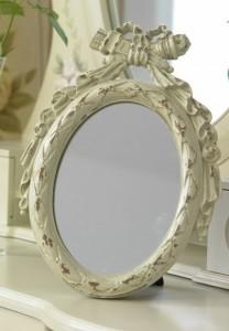 owalne-stojace-lustro-w-stylu-shabby-chic-2867 artdecor24.pl